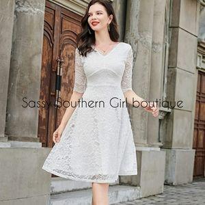 🆕⭐White soft lace midi dress
